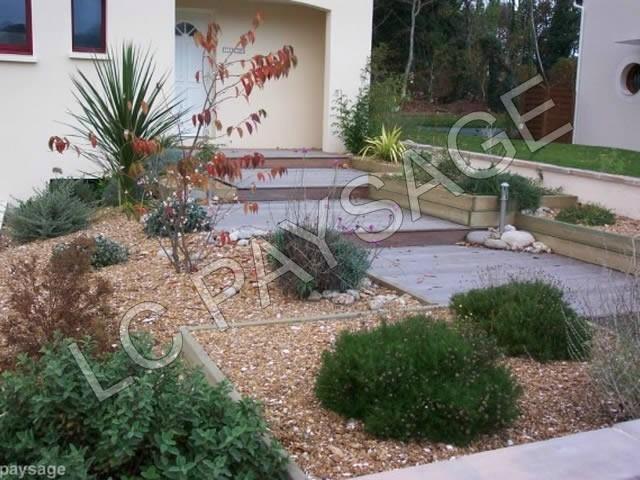 Paysagiste terrasse quimper entretien et cr ation espace for Entreprise jardinier paysagiste